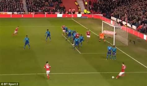 arsenal offside arsenal fans hit out at failed offside trap in fa cup