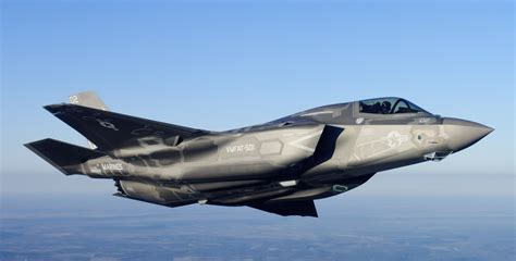 F 35 Lighting by New Report Claims F 35 Outclassed By 40 Year F 16