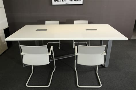 White Modern Style Office Furniture Meeting Desk Office Desk Outlet