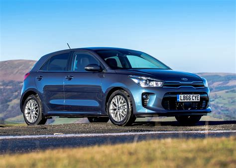 kia hatchback kia rio hatchback 2017 photos parkers