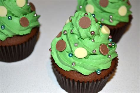 christmas tree chocolate cupcakes recipe chocablog