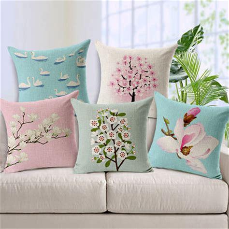 Sarung Bantal Sofa Cushion Cover Shabby Chic Blue Flower cara membuat sarung bantal dari kain perca ragam
