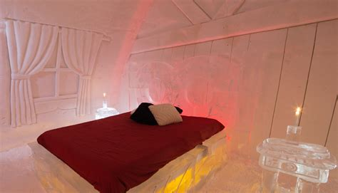 theme hotel de glace quebec s new hotel de glace ice castle takes guests on a