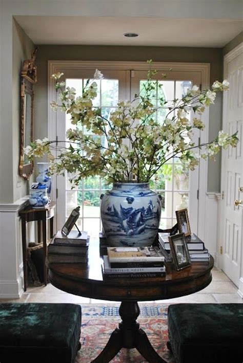 White Entrance Table Blue And White Monday Flowers Entry Ways Flower And Foyer Tables