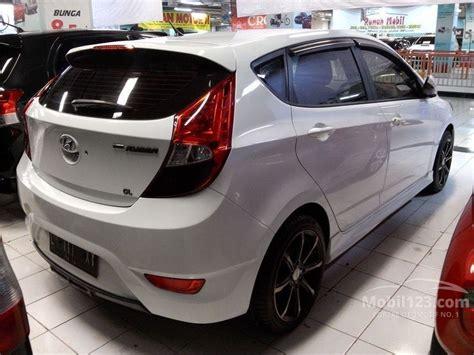 Hyundai Grand Avega 1 4 Gl At jual mobil hyundai grand avega 2013 gl 1 4 di jawa timur