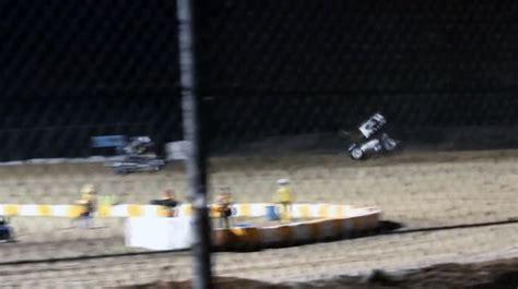 tony stewart sprint car crash tony stewart violently crash a sprint car