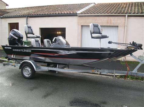 bass boat a vendre a vendre bass boat crestliner storm 16 evil bass fishing
