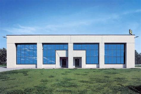 capannoni prefabbricati in cemento prezzi foto capannone prefabbricato con pannelli in ghiaietto de