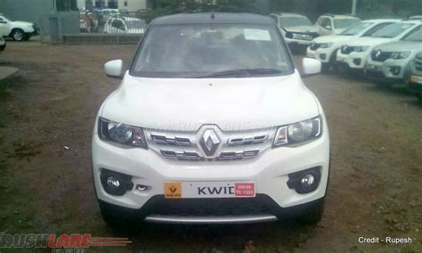 renault kwid white renault kwid sports front seen at dealership indian