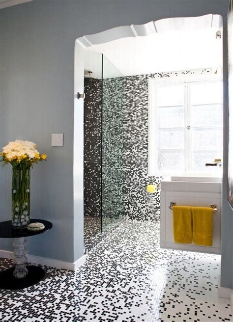 pixilated bathroom design made with mosaic bathroom tiles