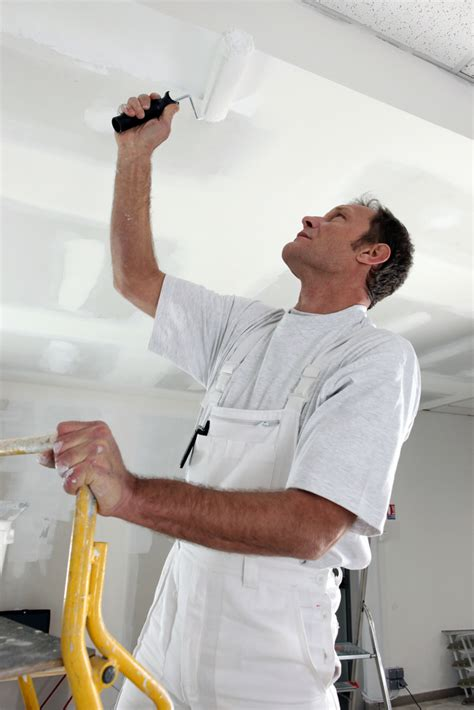 painting contractor 3 qualifications a painting contractor should be expected to sons painting