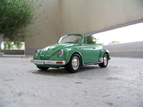 Volkswagen Beetle 1303s Cabriolet75 Aoshima vw cabriolet cox 1303s aoshima 1 24 page 3