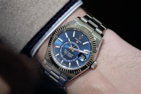 Jaket Federer F4 Royal Blue introducing the rolex sky dweller ref 326934 in stainless steel and ref 326933 in two tone