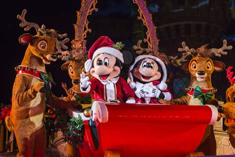 kingdom merry everything happening at walt disney world during the holidays oh my disney