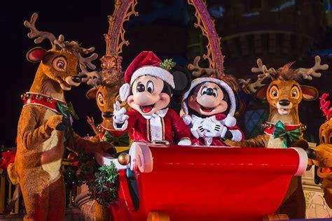 mickeys  merry christmas party  magic kingdom park