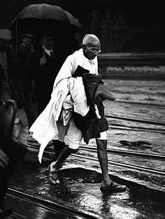 mahatma gandhi early life and background 1000 images about personalidades ghandi on pinterest