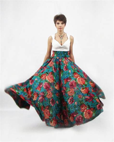 a full length printed skirt gets a touch of luxe via a 74 best great maxi skirts images on pinterest maxi