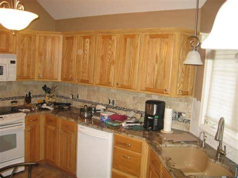 honey kitchen cabinets backsplash ideas for honey oak cabinets www redglobalmx org