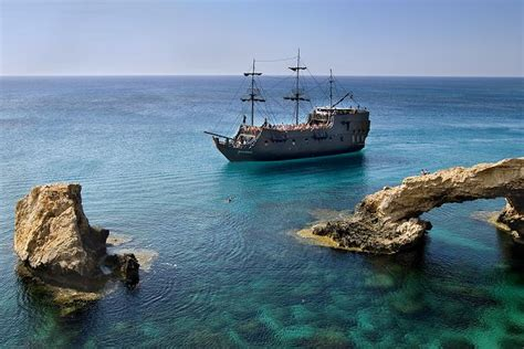 Queen Captain Bed The Black Pearl Pirate Boat In Ayia Napa Cyprus Ayia
