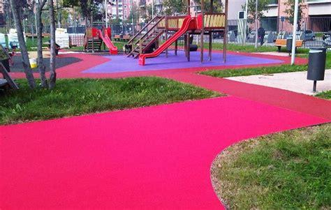 pavimento antitrauma pavimentazione antitrauma di sicurezza normative e requisiti
