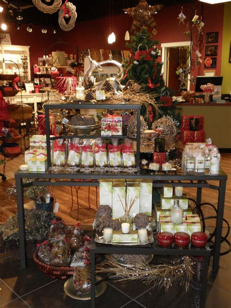 christmas decoration visual rustic scents and decor table visual merchandising by flourish design merchandising