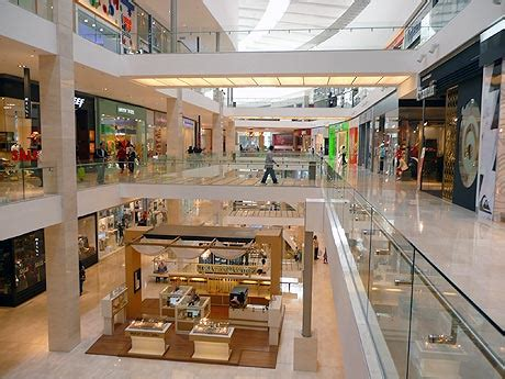 pavillon shop pavilion shopping mall kl kuala lumpur malaysia