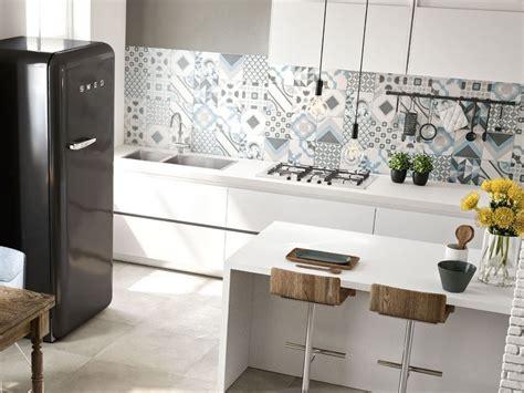 rivestimenti piastrelle cucina rivestimento cucina effetto cementina quilt iperceramica