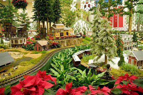 Mo Botanical Garden Events 10 Gardens That Glitter With Lights Garden Destinations Magazine
