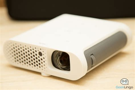 Led Proyektor Benq benq gs1 portable led projector reviewed geeklingo