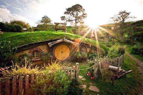 real hobbit house the real life hobbiton in new zealand gadgetsin