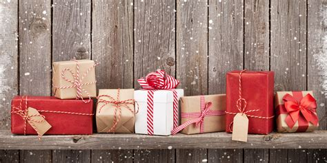 holiday hustle 5 beautiful christmas gift wrapping tips
