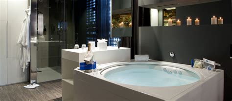 Bedroom Suit Or Suite jacuzzi suite 224 barcelone hotel plaza europa site officiel