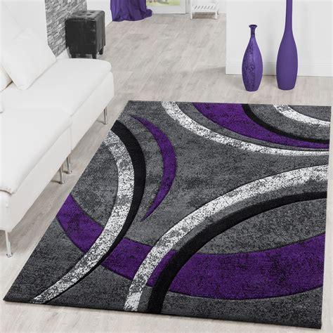 wohnzimmer teppich grau teppich wohnzimmer gestreift modern mit konturenschnitt in