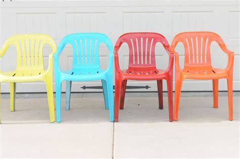 Paint Plastic Chairs by Bring New To Your Plastic Chairs With Krylon