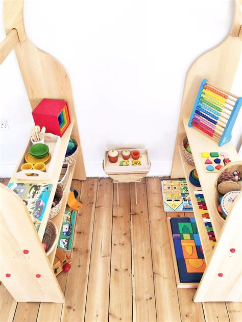 what is a montessori bedroom 25 best ideas about montessori toddler bedroom on