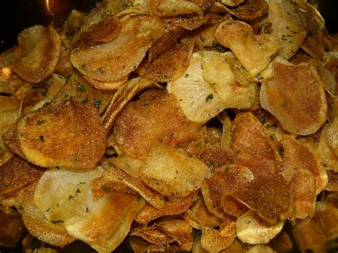 Handmade Crisps - insanely delicious easy potato chips recipe