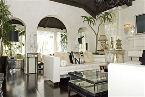 paris hiltons house paris hilton s hollywood hideaway for sale