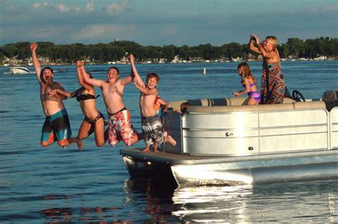 boat okoboji rental arnolds park ia boat okoboji rentals boats