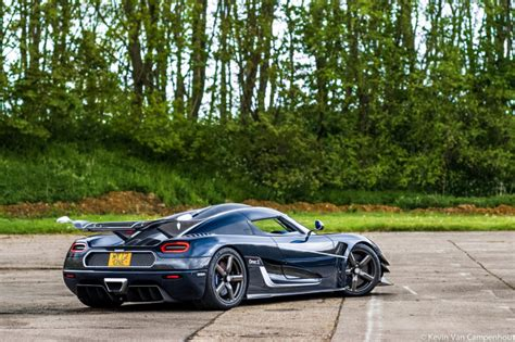 koenigsegg one blue top 10 most awesome pics of the week dec 5 2015