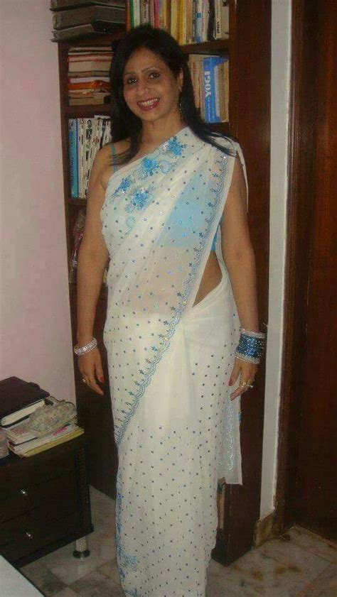 aunties in sleeveless blouse pics blouse with