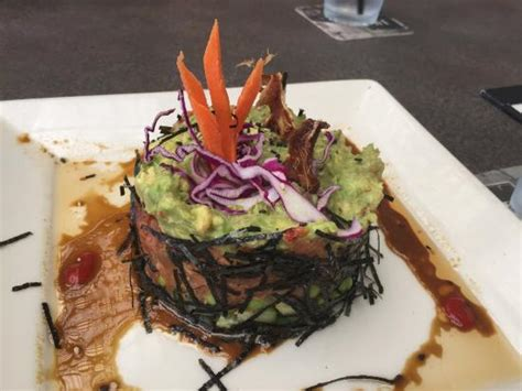 yard house spicy tuna roll the spicy tuna quot roll quot picture of yard house roseville tripadvisor