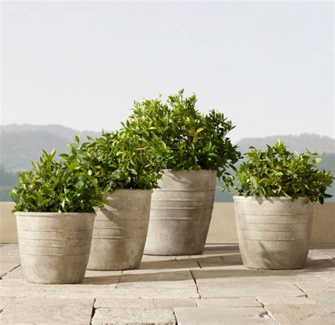 Architectural Planter by 32 Stylish Outdoor Planters To Perk Up Your Garden Or