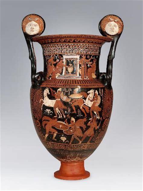 antico vaso greco tre commercianti d arte della nostra provincia indagati