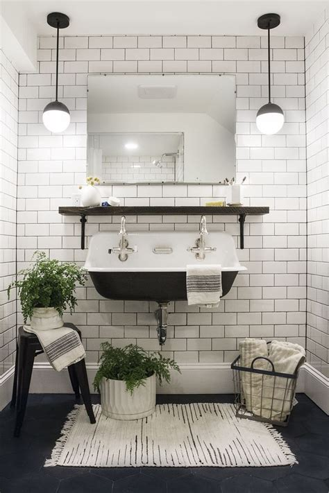 black and white bathroom design ideas best 25 small bathrooms ideas on small