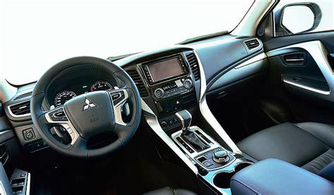 mitsubishi pajero interior 2017 2017 mitsubishi pajero hybrid cars review 2018 2019