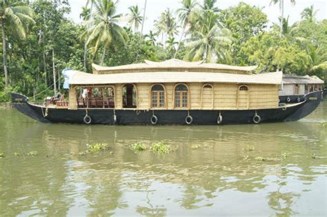 kumarakom boat house booking backwater retreat house boats kumarakom book guesthouse