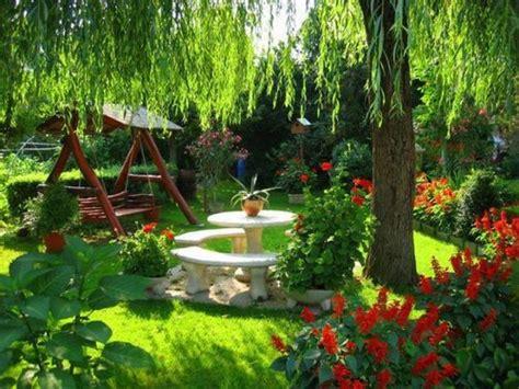 imagenes de jardines con animales how to create a garden masterpiece www coolgarden me