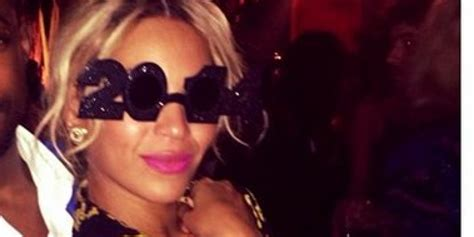 beyonce new years eve 2014 beyonce goes pantless on new year s eve dances to yonce