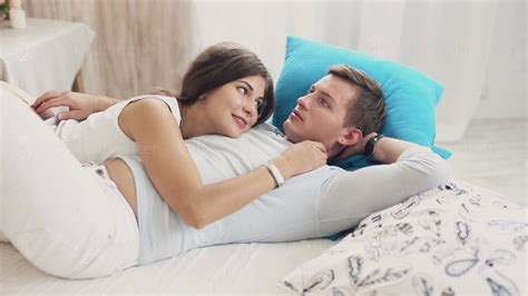how long do most guys last in bed 13 signs you are dating a guy who truly respects you