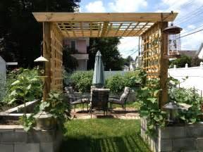 Diy Grape Trellis 2013 Design Of Concrete Block Raised Bed Garden